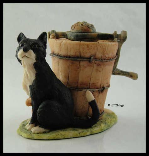 lowell davis bfa schmid  figurine sitting black cat