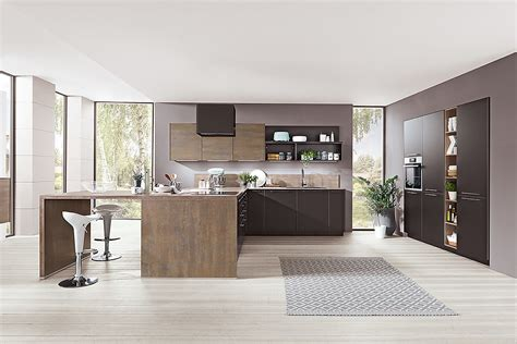 Küche Mit Kochinsel Und Sitzgelegenheit