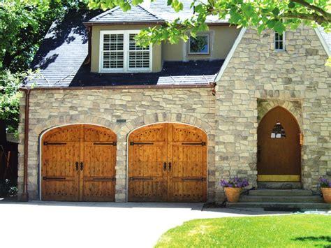 Wood Garage Door by Garage Door Buying Guide Diy