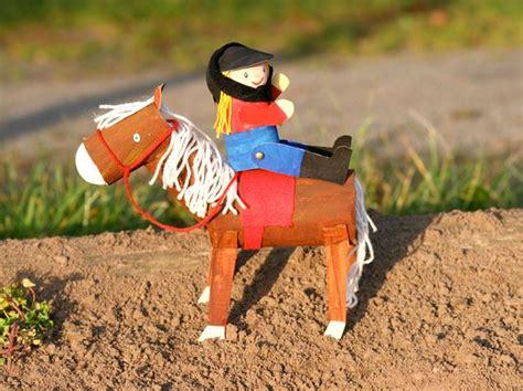 basteln mit kindern tiere basteln maedchen lieben pferde