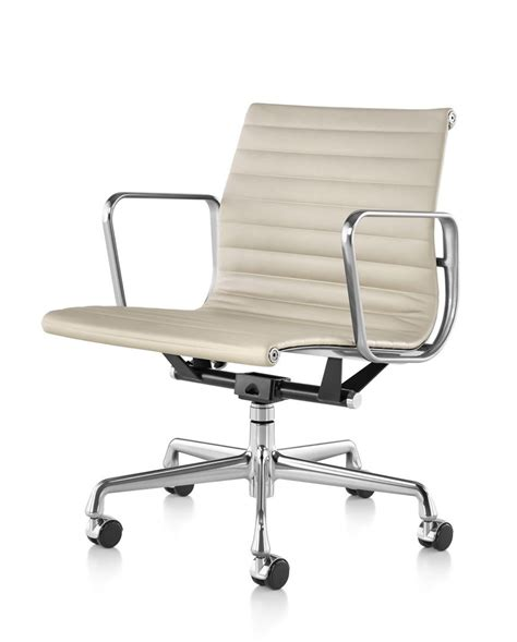 hermanmiller 174 eames 174 aluminum management chair the