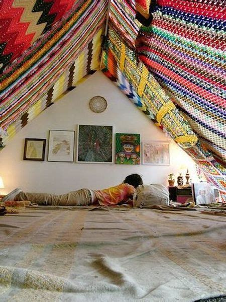 Bedroom Ceiling Tapestry by 7 Ways To Upgrade Your Space With Tapestries And