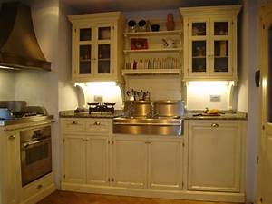 Arredamenti per cucine e negozi realizzazione cucine su for Cucine firenze negozi