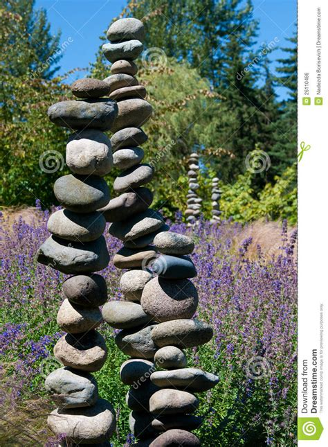 Steine Im Japanischen Garten Stockfoto  Bild Von