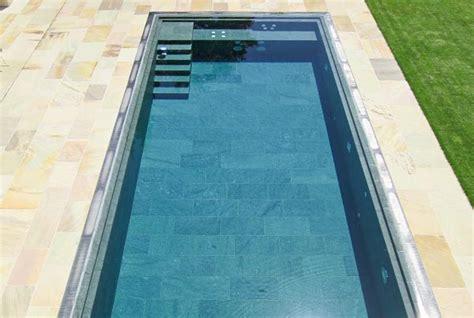 pool mit sitzbank natursteinpool schwimmbad egli gartenbau ag uster