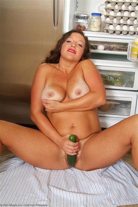 Busty Milf And A Cucumber Free Cougar Sex