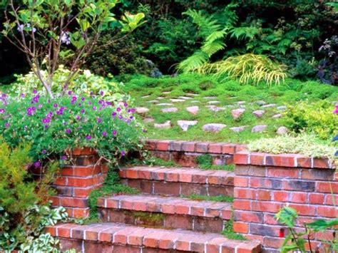 15 Ideen Fuer Rustikalen Ziegel Und Holzbodendark Brick Flooring Modern by Stairs In The Garden Lay A Decorative Item Or Need