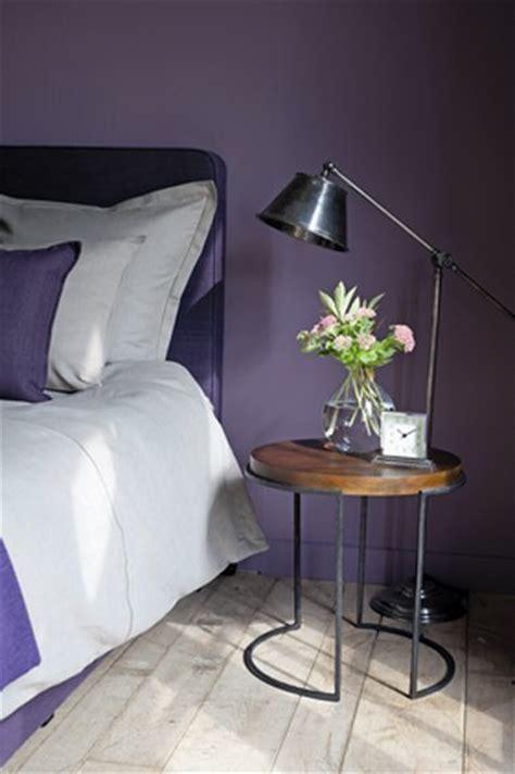 couleur chaude pour une chambre couleur peinture chambre violet flamant