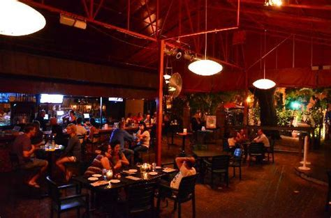 Kelly & Chic-a-boom Room Covered Patio