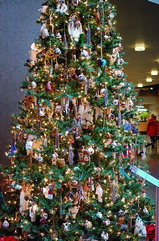 what kind of christmas trees are decorated in india