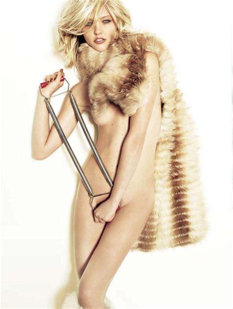 Naked Sasha Pivovarova Added 07192016 By Gwen Ariano