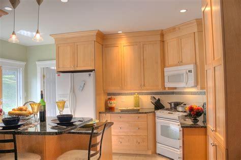 birch shaker kitchen cabinets birch kitchens kitchens 4638