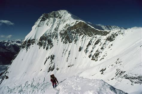 climbers continue  north side  everest
