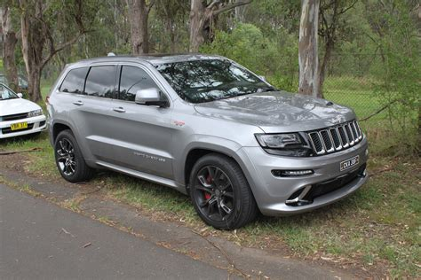 2015 jeep grand cherokee srt silver 200 interior and