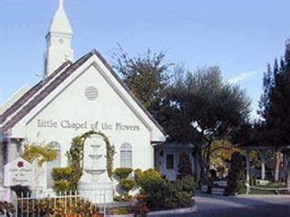 beautiful chapels   las vegas wedding