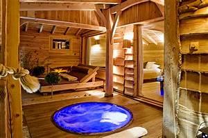 Constructeur Cabane Dans Les Arbres : h bergement insolite dans les arbres cabane spa ~ Dallasstarsshop.com Idées de Décoration