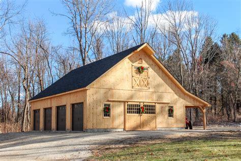 Post And Beam 1 ½ Story Center Aisle Barn