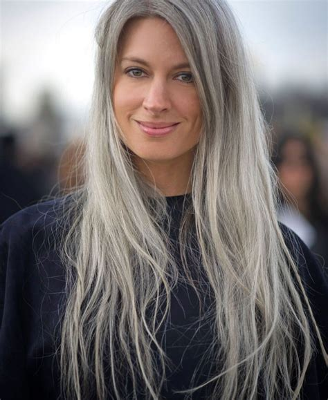 15 Long Hairstyles for Women Over 50 to Look Younger
