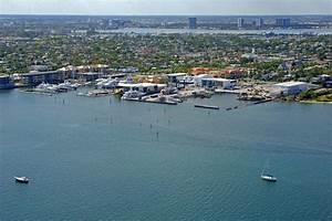 Rybovich Superyacht Marina Slip Dock Mooring