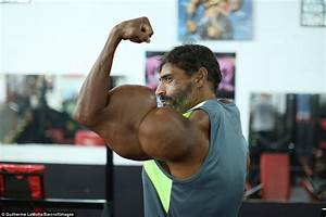 Brazilian Man Injected Himself With Oil To Become A Beefcake With 23 Inch Biceps