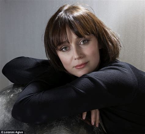 keeley hawes sexy back to ashes for actress keeley hawes there s a birth