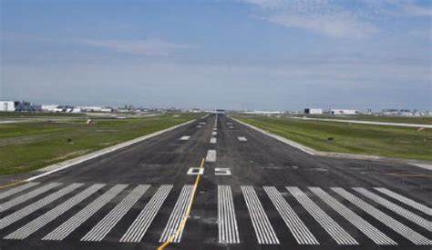 Pearson airport completes construction on busiest runway ...