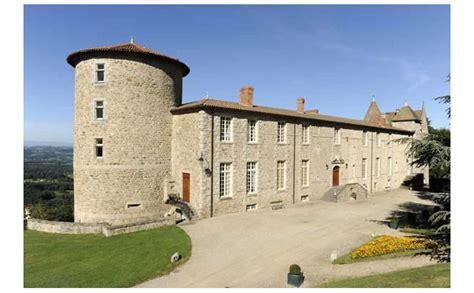 chambres d hotes bourgogne sud château de vollore du 12ème siècle de 4 chambres et 1