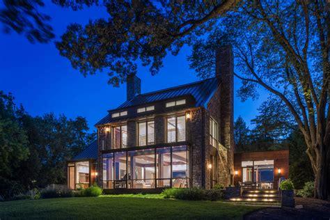 modern farmhouse marries       builder