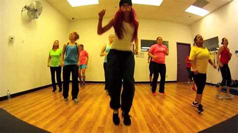 hit the floor zumba let the bodies hit the floor drowning pool with mallory hotmess