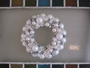 White Christmas Wreaths Happy Holidays