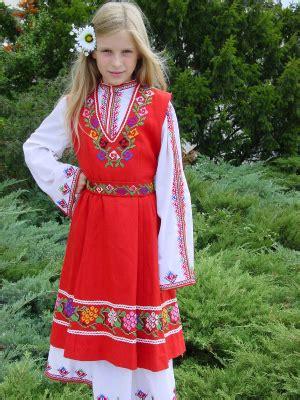 ブルガリア 民族衣装3 世界市web