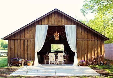 planning  rustic wedding check   gorgeous barn