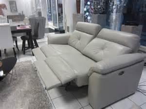 sofa mit funktion sofas mit elektrischer funktion wohnlandschaft mit beleuchtung ablagen ledersofa funktion