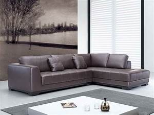 Quality leather sofas smalltowndjscom for Quality small sectional sofa