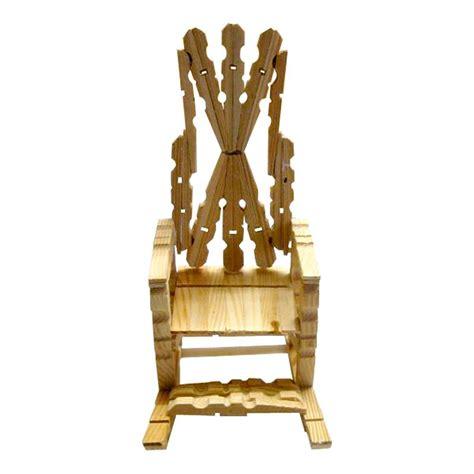 chaise en epingle a linge en bois fauteuil en pinces à linge idées conseils et tuto
