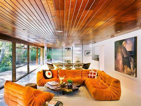 plaid pour canapé cuir les beaux décors avec le canapé togo légendaire