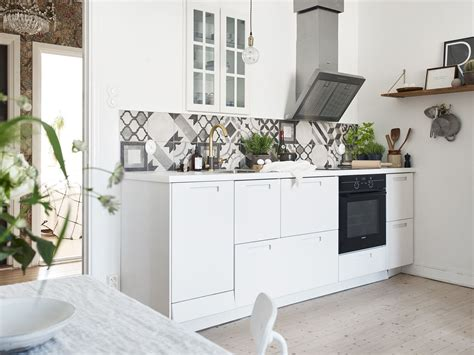 Beautifully Refurbished Small Apartment With Open Kitchen