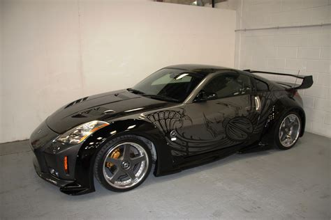 fast furious nissan 350z from tokyo drift is looking for