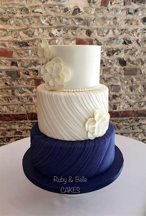 17 Best Ideas About Ivory Wedding Cake On Pinterest