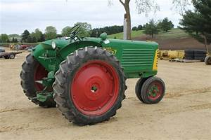 Oliver 77 Row Crop Narrow Front Tractor