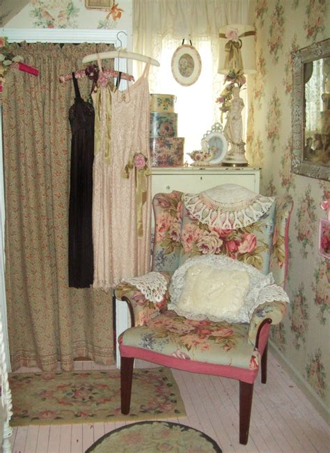 cottage shabby chic decor 201 best my shabby dressing room images on pinterest bedroom embroidery and lace