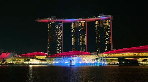 led bay lights singapore 39 s marina bay sands gets a spiffy state of the
