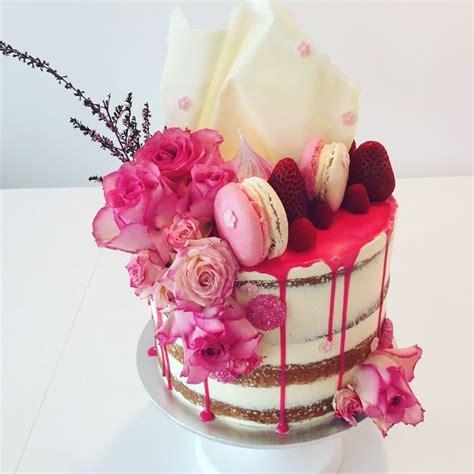 Hot Pink Wedding Cake   <a href=
