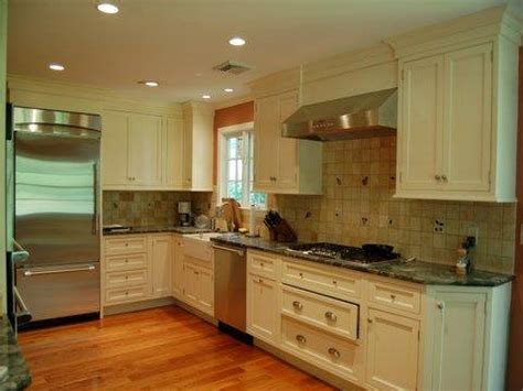 colonial kitchen ideas colonial style kitchens colonial kitchen design small