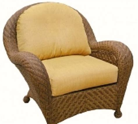 use patio furniture cushions to enhance your outdoor