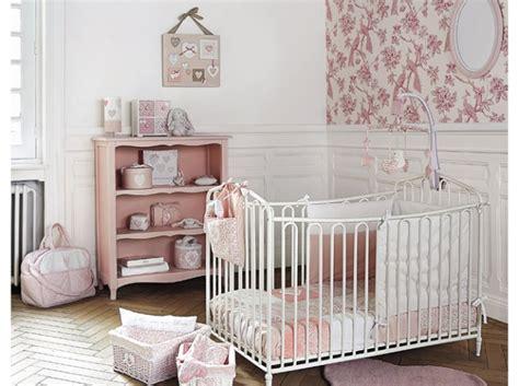 cadre deco chambre bebe cadre decoration chambre bebe maison design bahbe com