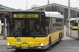 Bus Berlin Bielefeld : ausstand in den werkst tten bvg busse bleiben wegen streik auf der strecke die welt ~ Markanthonyermac.com Haus und Dekorationen