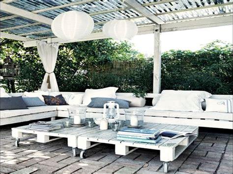 faire un salon de jardin en palette jardins blancs
