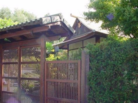 Japanischer Garten Eingangstor by Japanischer Garten Teehaus