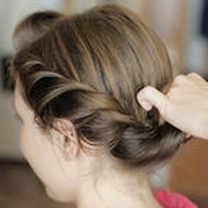 Einfache Hochsteckfrisuren Dünne Haare : schnelle einfache wiesn frisuren frisuren mittellang ~ Frokenaadalensverden.com Haus und Dekorationen